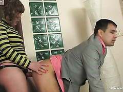 Sporty strap-on armed honey feels like showing a stud some fucking exercises